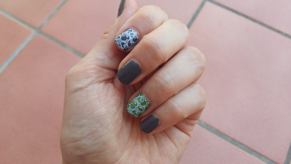 2018-08 nail art stamping 1