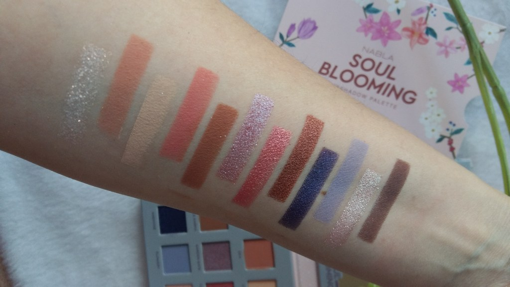 Nabla soul blooming swatches