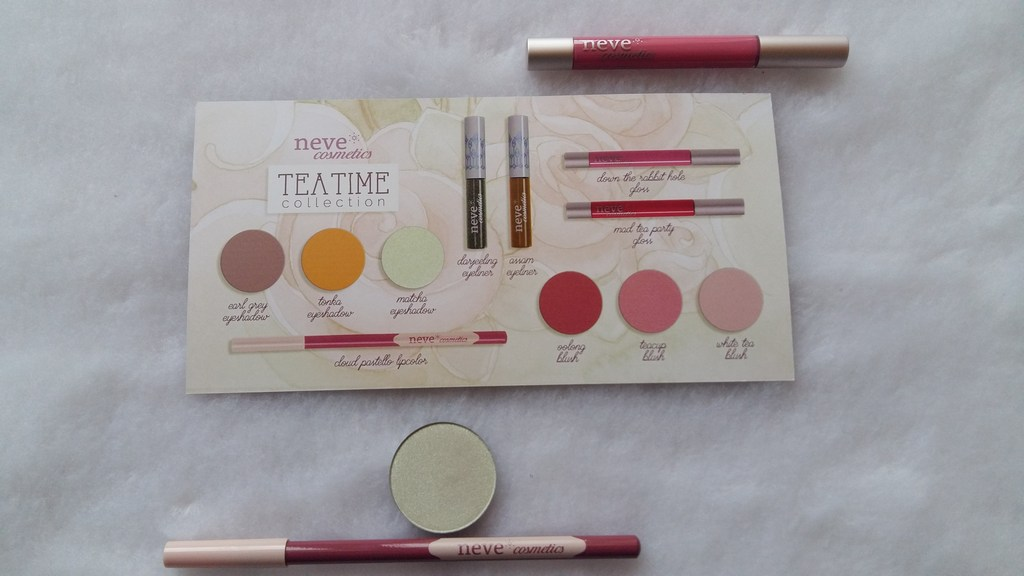 Neve Cosmetics Tea Time retro
