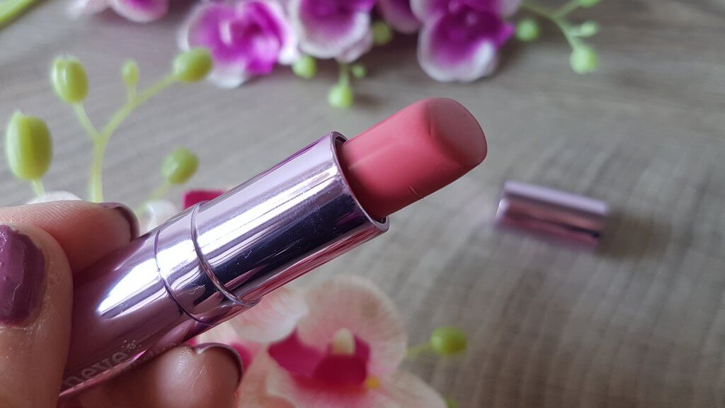Neve Pink Donut lipstick
