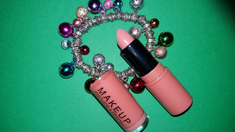 http://www.makeuprevolution.it/amazing-lipstick-p-12341.html