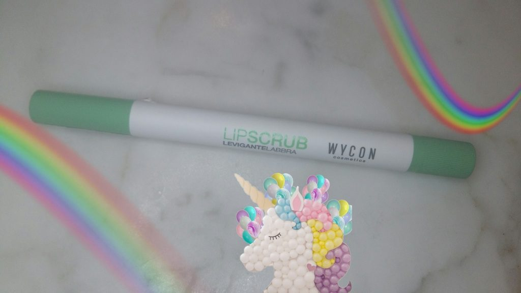 Wycon lipscrub